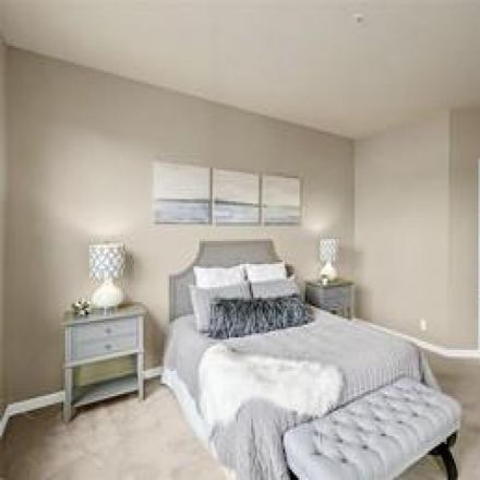 Rent this 2 bed condo on 615 6th Street in Kirkland, WA 98033