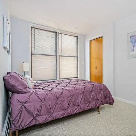 Rent this 6 bed house on 369 East 207th Street in New York, NY 10467