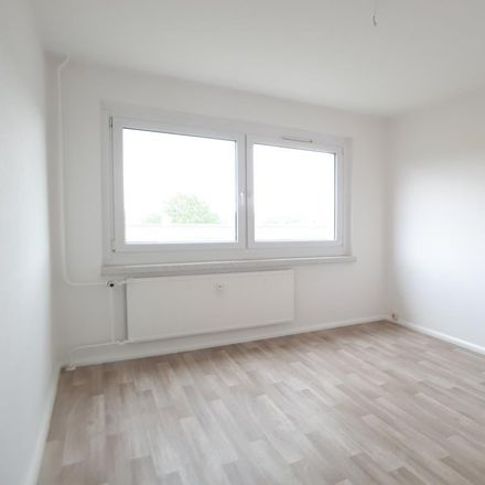 Rent this 3 bed apartment on Albert-Köhler-Straße 12 in 09122 Chemnitz, Germany