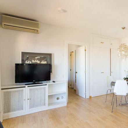 Rent this 1 bed apartment on McDonald's in Avenida de Alberto Alcocer, 37