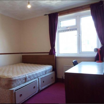 Rent this 4 bed room on Eldon in Middle Street, Portsmouth PO5 4BU