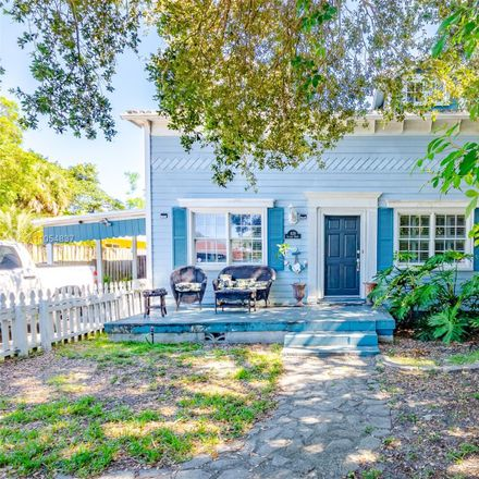 Rent this 3 bed house on 820 Tequesta Street in Fort Lauderdale, FL 33312