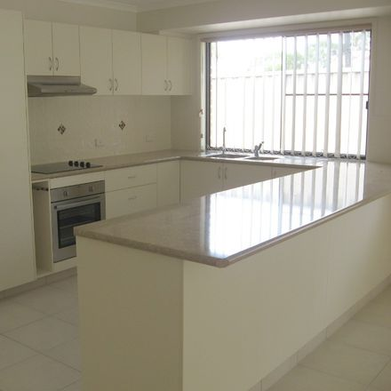 Rent this 3 bed apartment on Kingaroy