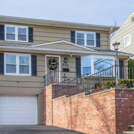 Rent this 3 bed house on Elmwood Rd in Verona, NJ
