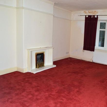 Rent this 1 bed apartment on Gatley Carpets & Rugs in Church Road, Stockport SK8 4NG