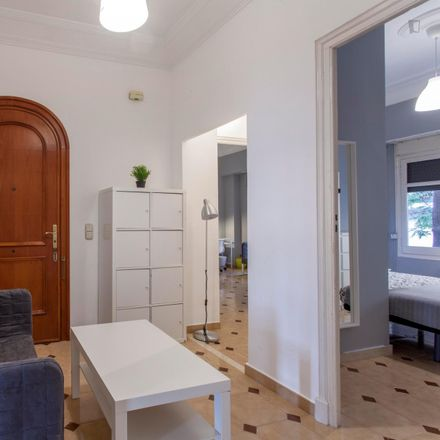 Rent this 7 bed room on Jalasan in Carrer de Císcar, 46005 Valencia