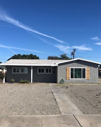 Rent this 3 bed house on S 10th Ave in Yuma, AZ