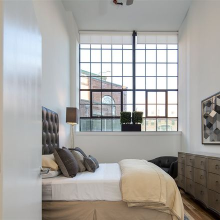 Rent this 3 bed loft on Lafayette St in Jersey City, NJ