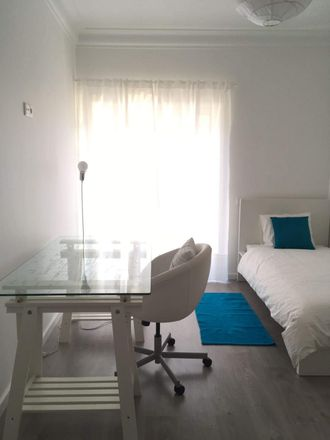 Rent this 3 bed room on R. Dr. João Soares in Lisboa, Portugal