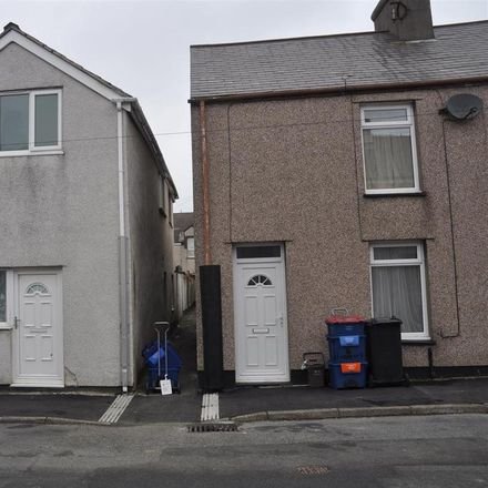 Rent this 2 bed apartment on Cecil Street in Holyhead LL65 2NH, United Kingdom