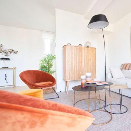 Rent this 4 bed apartment on Boulevard Auguste Reyers - Auguste Reyerslaan 135 in 1030 Schaerbeek - Schaarbeek, Belgium