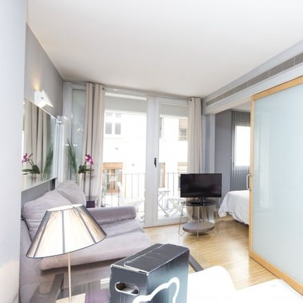 Rent this 2 bed apartment on Junco in Calle del Conde de Romanones, 5