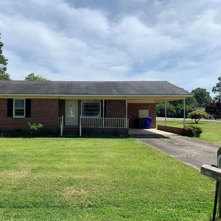 Rent this 3 bed house on 500 Fairfax Street in Clinton, NC 28328