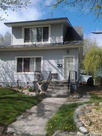 Rent this 3 bed house on 57 Putnam Avenue in Pontiac, MI 48342