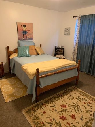 Rent this 3 bed house on 2923 Viola Street in Oakland, CA