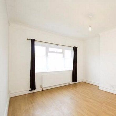 Rent this 2 bed apartment on The Drive in London NW11 9SU, United Kingdom