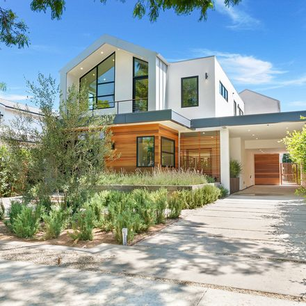 Rent this 4 bed house on 8728 Ashcroft Avenue in Beverly Hills, CA 90048