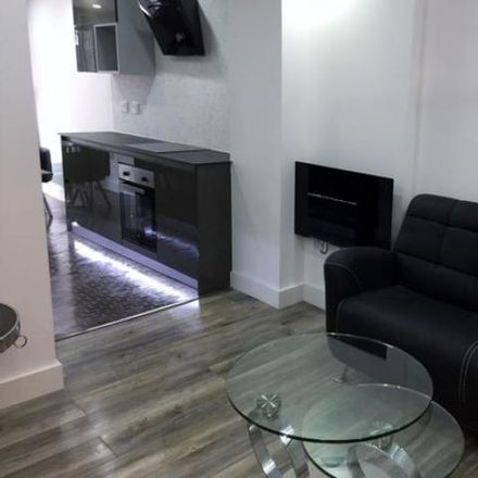 Rent this 1 bed apartment on Cardiff Tertiary College in The Parade, Cardiff