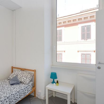Rent this 7 bed room on Embassy of Cameroon in Viale Regina Margherita, 42