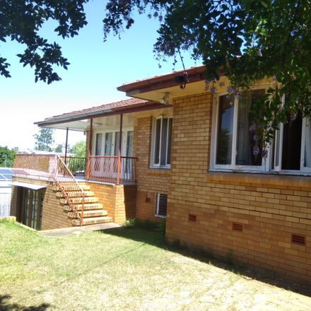 Rent this 3 bed house on 92 Gatton St