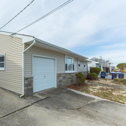 Rent this 3 bed house on E Mullica Rd in Tuckerton, NJ