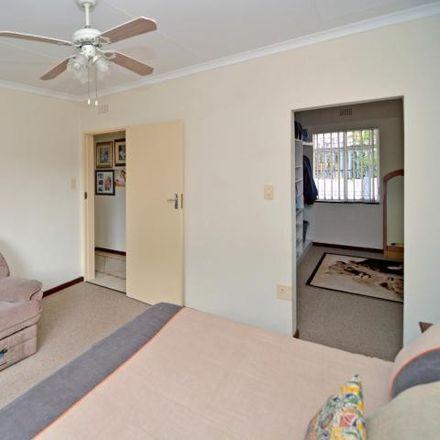 Rent this 3 bed house on Herdershof in Miller Street, Sophiatown (Triomf)