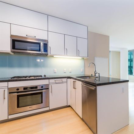Rent this 2 bed condo on 333 Main Street in San Francisco, CA 94105