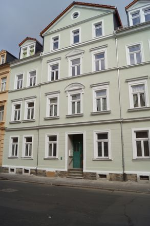 Rent this 3 bed apartment on 09599