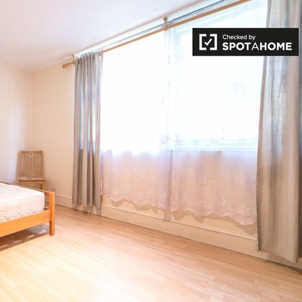 Rent this 3 bed apartment on William Hill in Fulham Road, London SW6 1AH