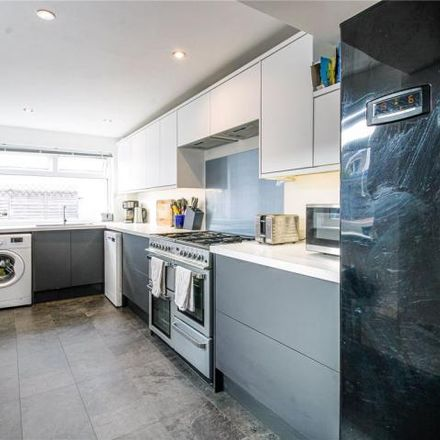 Rent this 3 bed house on Dunford Road in Bristol, BS3 5AU