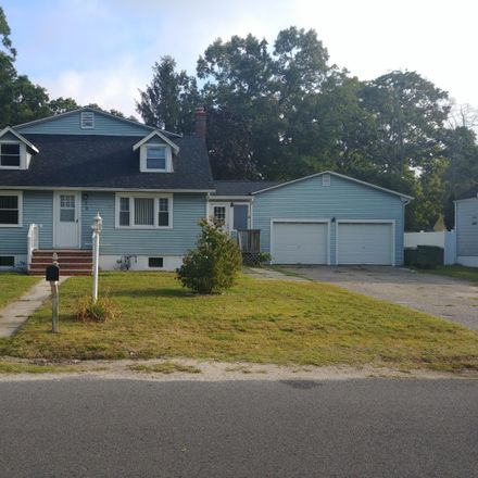 Rent this 4 bed house on 914 Radnor Avenue in Pine Beach, NJ 08741