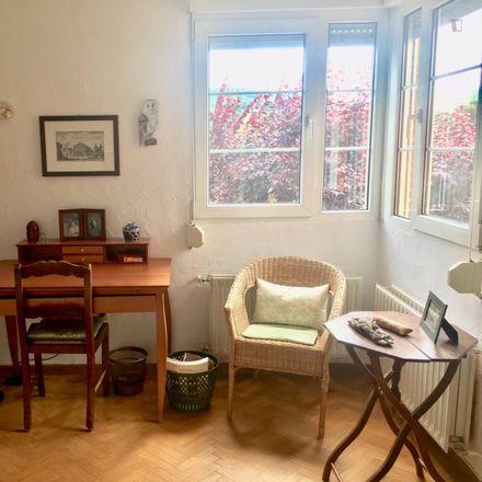 Rent this 6 bed room on Avenida de Sicilia in 8, 28420 Galapagar