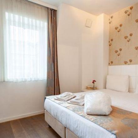 Rent this 4 bed apartment on Boulevard du Régent - Regentlaan 55 in 1000 Ville de Bruxelles - Stad Brussel, Belgium