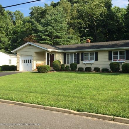 Rent this 3 bed house on 508 N Fox Ave in Belford, NJ