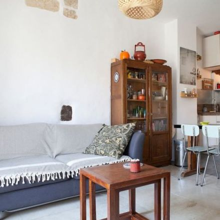Rent this 1 bed apartment on 4 Plan de l'Om in 34064 Montpellier, France