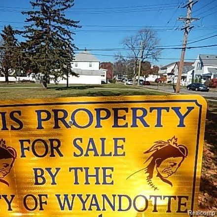 Rent this 0 bed apartment on 1703 5th Street in Wyandotte, MI 48192