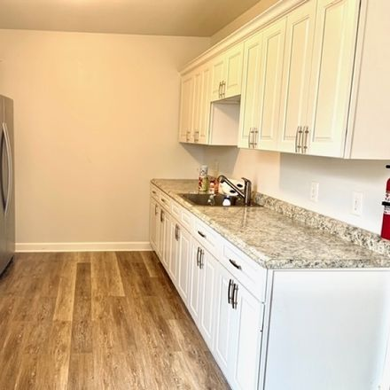 Rent this 3 bed apartment on Newton Ave in Newton, NJ