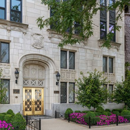 Rent this 3 bed condo on North Lake Shore Drive in Chicago, IL 60610