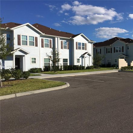 Rent this 3 bed townhouse on Kissimmee