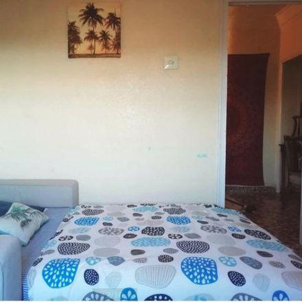 Rent this 3 bed room on Carrer dels Sants Just i Pastor in València, Valencia