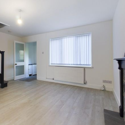 Rent this 3 bed house on Rhodfa'r Dryw in Morriston SA6 6SS, United Kingdom