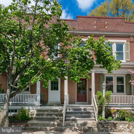 Rent this 3 bed townhouse on 541 Reynolds Avenue in Lancaster, PA 17602