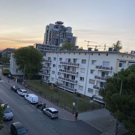 Rent this 3 bed apartment on Frankfurt in Hellerhofsiedlung, HESSE