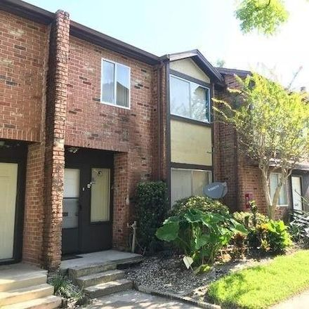 Rent this 3 bed townhouse on Huntington Green Ct in Orlando, FL