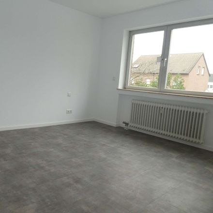 Rent this 3 bed apartment on Bibergasse 38 in 41063 Mönchengladbach, Germany