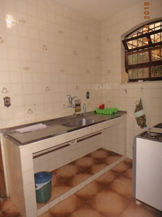 Rent this 1 bed room on Rua Santos Moreira 71