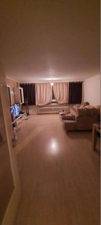 Rent this 2 bed apartment on Altenwall 11 in 28195 Bremen, Germany