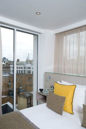 Rent this 3 bed apartment on Jacobs plumbers in Warner Street, London EC1R 5EX