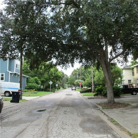 Rent this 2 bed duplex on 2913 W San Jose St in Tampa, FL