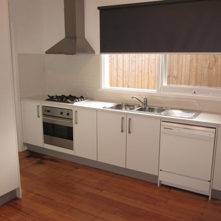 Rent this 2 bed apartment on 4/54 Percy Street